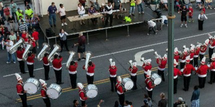 Skyliners2014_Rochester_DCA_Parade_986x402